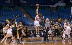 Girls' bball looks to take title this season