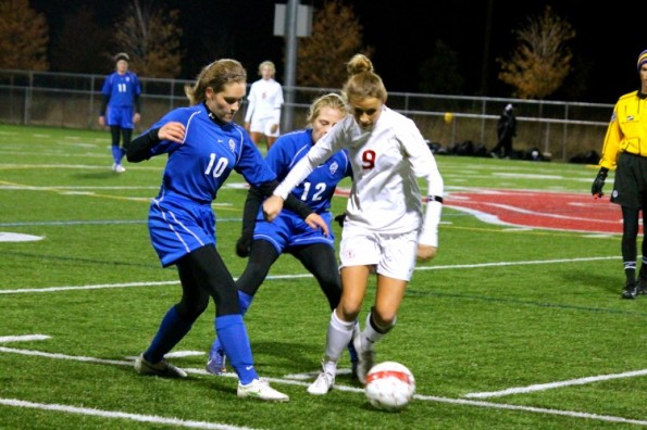 Girls' soccer defeats Minnetonka