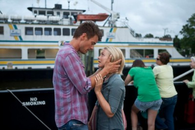 """Safe Haven"" fails to defy Sparks' movie clichés"