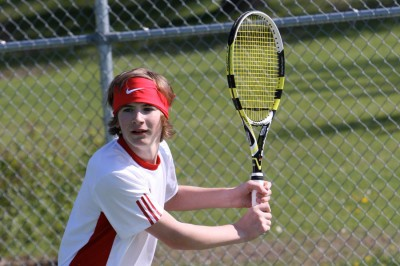 Freshman Simon Guzan looks to continue his on-court tennis success
