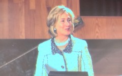Former secretary of state Hillary Clinton speaks at Beth El Synagogue