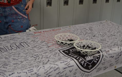 Students sign banner to promote unity at BSM