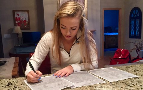 Senior girls' lacrosse player commits to Northern Michigan