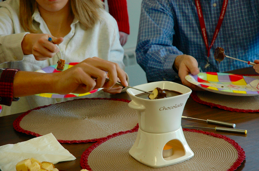 Fondue+is+a+great+treat+to+share+with+some+friends+or+even+with+a+special+someone.