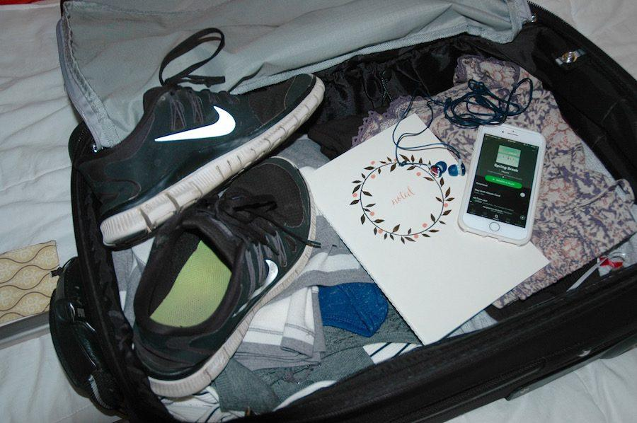 If+you%27re+traveling+for+spring+break%2C+you+can%27t+forget+to+bring+the+necessities+including+headphones%2C+tennis+shoes%2C+and+maybe+even+leave+room+for+a+souvenir.