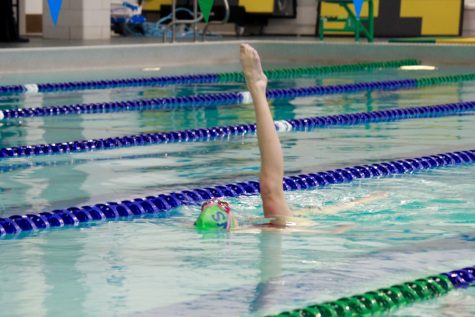Sophomore competes with The Blake School's synchronized swim team