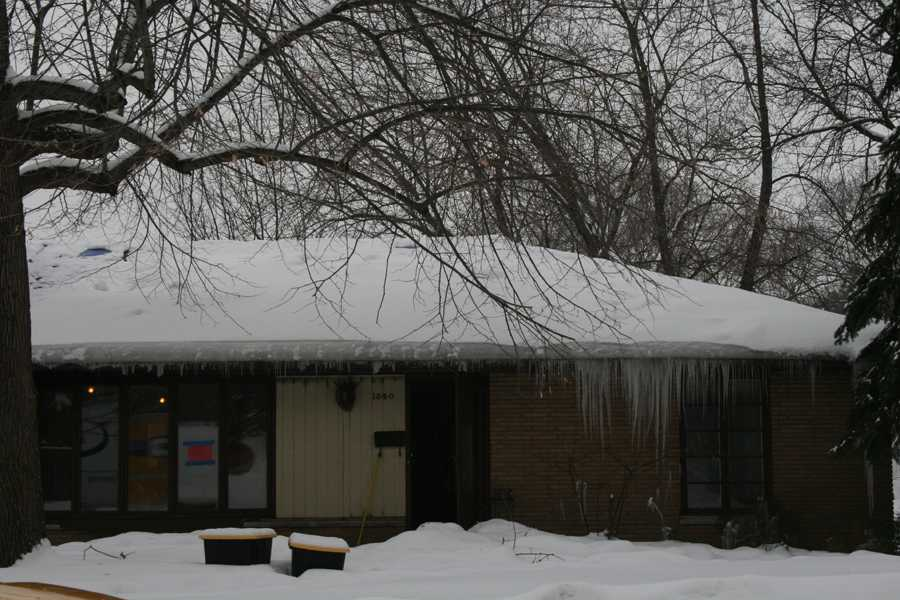Tragedy strikes senior Donald Stephens' house over break