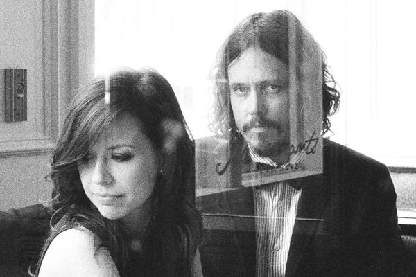 Country back in vogue with Civil Wars latest