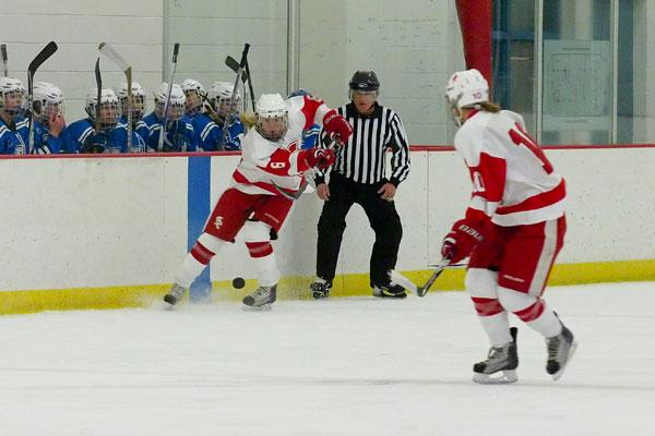 Girls' hockey depends on underclassmen this season