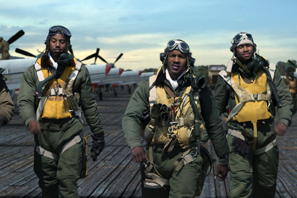 Red Tails is fast to fall out of the sky