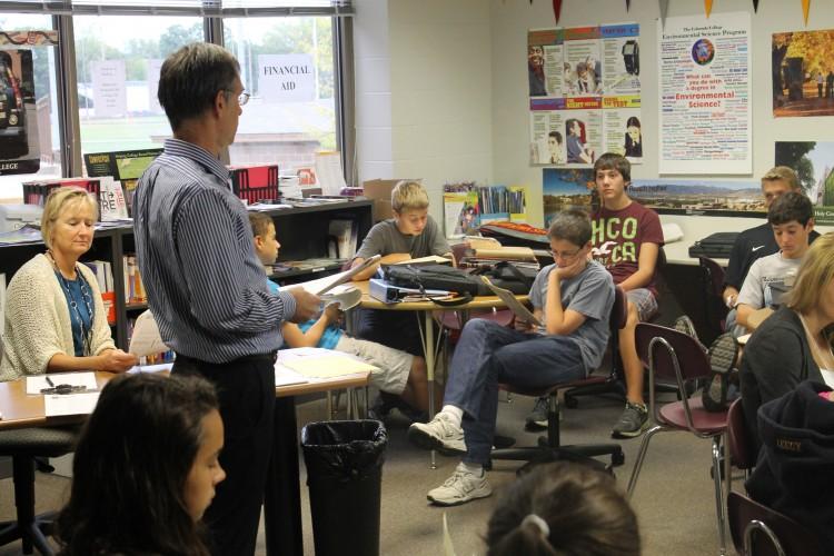 Link Crew helps freshmen adjust to high school through new program