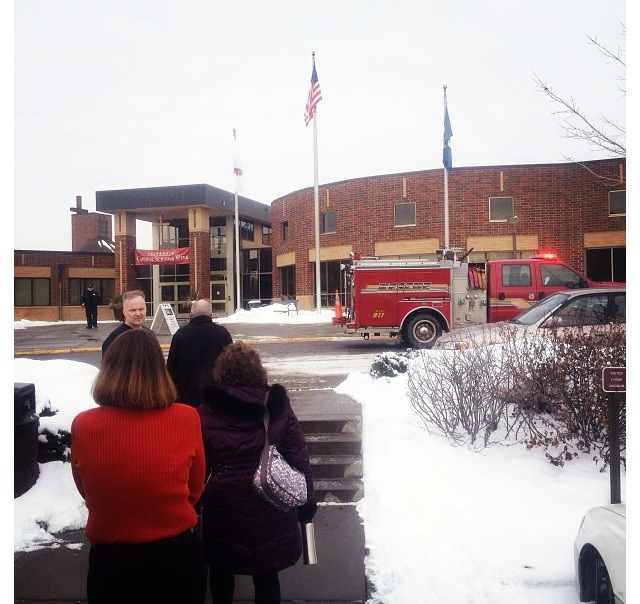 Faculty%2C+staff+and+students+were+rushed+out+of+classes+during+6th+hour+because+of+a+fire+scare+in+the+kitchen.+