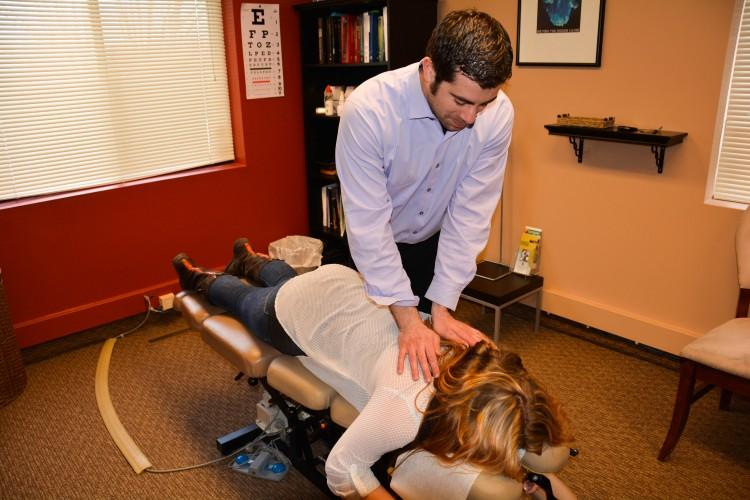 BSM+students+who+are+experiencing+back+pain+or+aches+in+joints+will+visit+the+chiropractor+to+relive+discomfort.++