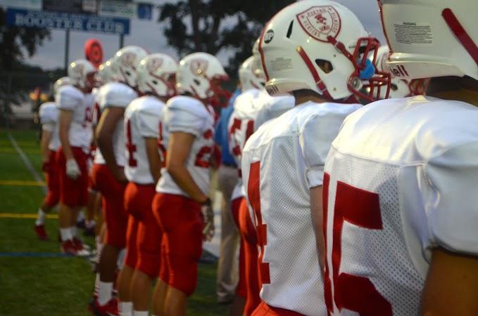 Football+team+on+path+to+winning+season
