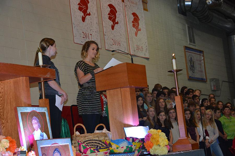 Sophomore Elyse Vandersteen speaks at the Mass of the Saints to inform the BSM community about Type 1 Diabetes.