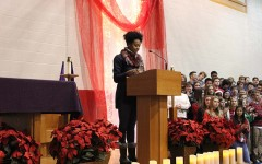 Senior Peri Warren formally received the Dear Neighbor Award at Christmas Mass, and addressed the BSM community with a speech on her plans for the grant money.