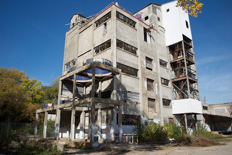 The abandoned Freun Mill in North Minneapolis is one of the most popular urban exploring sites.