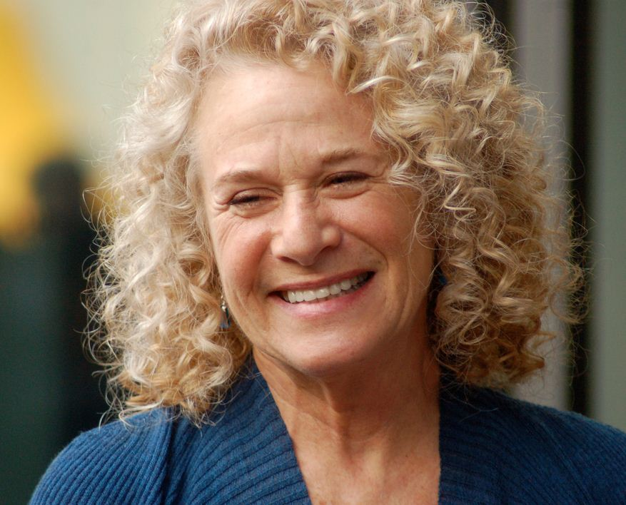 Broadway+musical+%22Beautiful%22+revolves+around+the+life+story+and+music+pf+iconic+singer-songwriter+Carole+King.