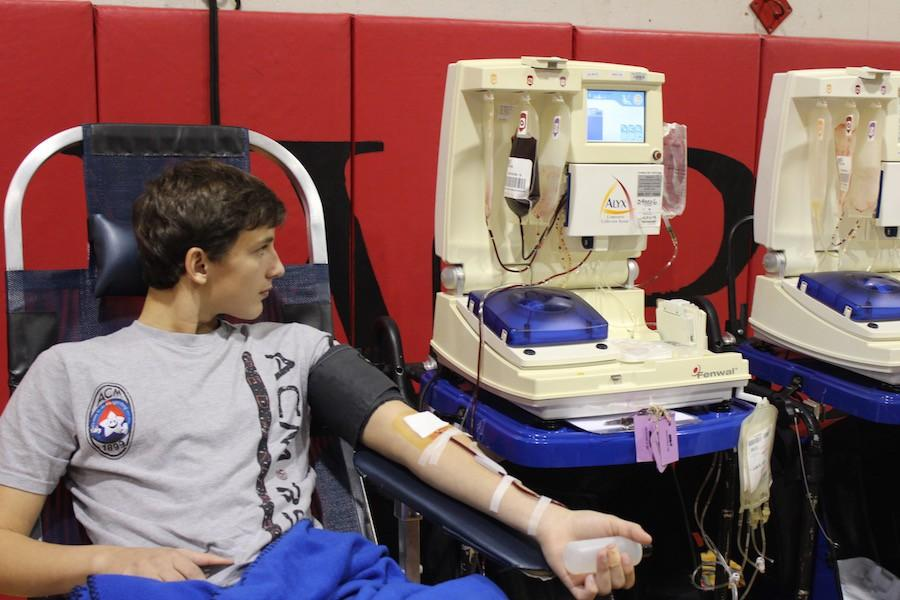 National+Honor+Society+coordinated+the+annual+blood+drive+with+the+help+of+Memorial+Blood+Center.+