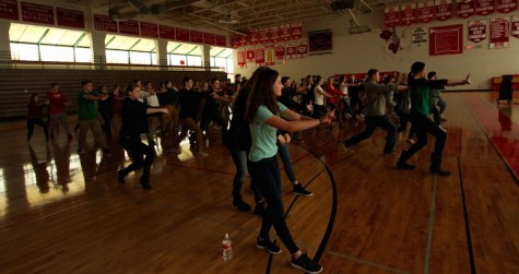 Spanish and Chinese students learned Kung Fu on Friday.