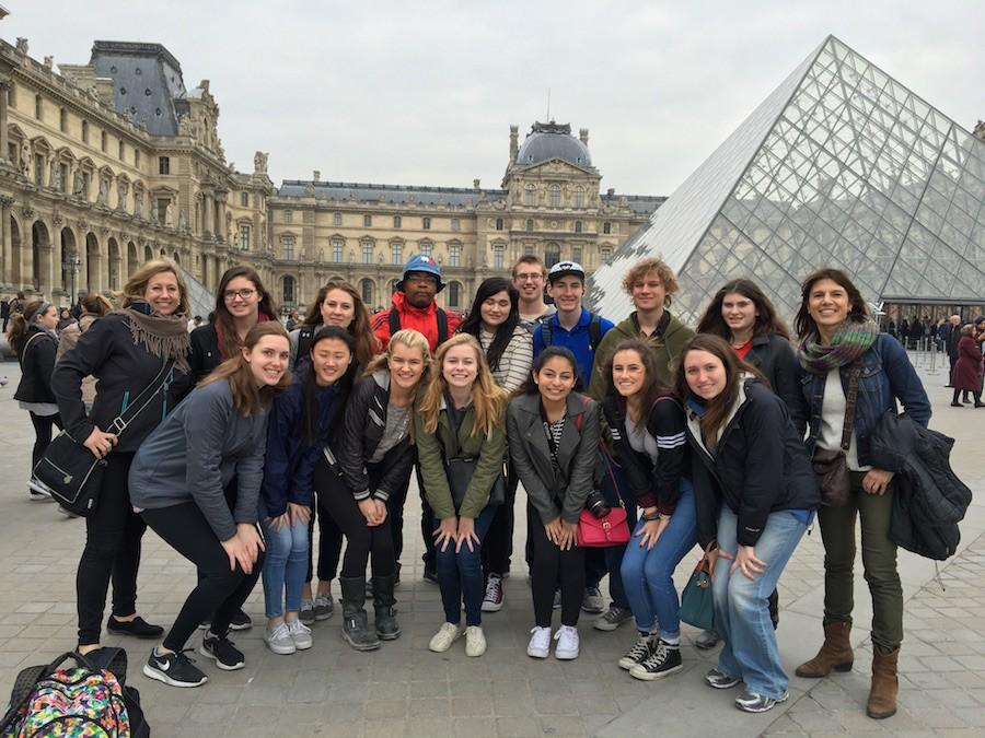 Students+stayed+with+a+host+family+and+visited+many+museums.+