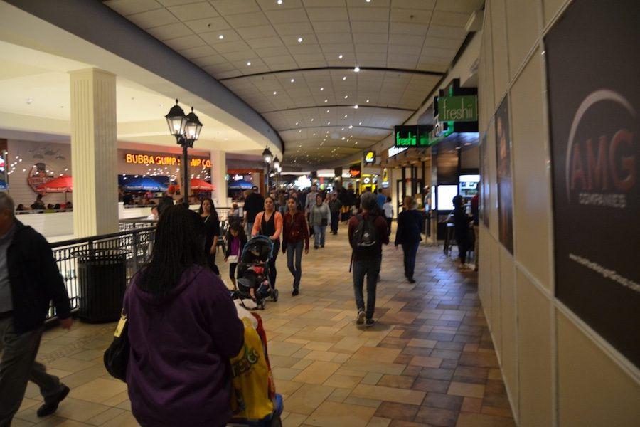 While usually bustling, the  MOA sat mostly empty this Thanksgiving