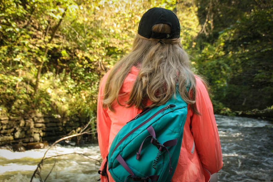 Students+share+stories+about+their+hiking+trips.