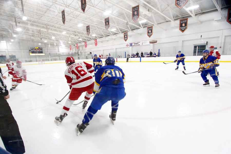 The boys' hockey team is off to a rough start this season after losing the majority of their starting lineup to graduation.
