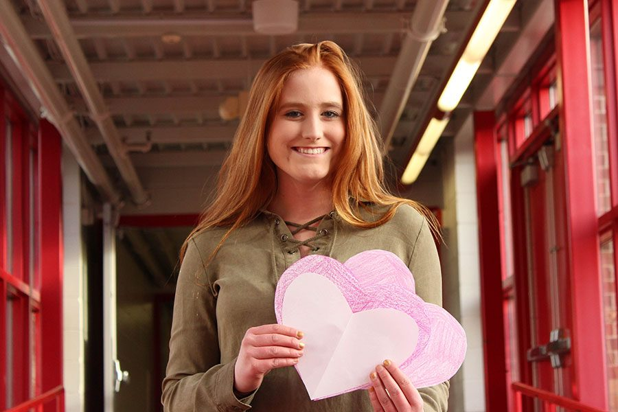 Sydney+Johnson+holds+valentines+that+were+written+by+a+couple+of+her+hundreds+of+admirers.