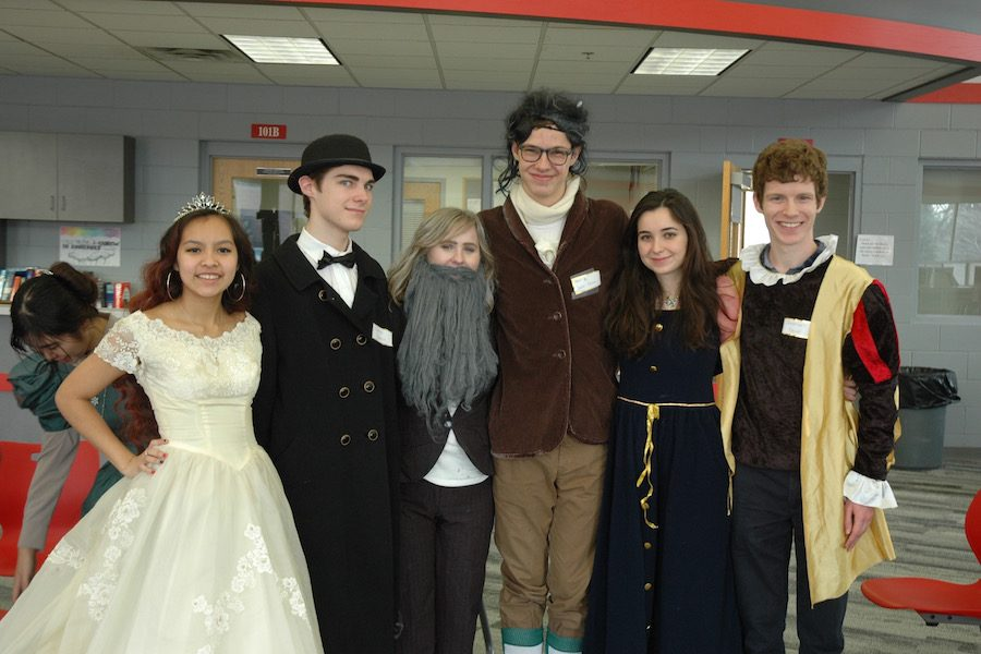 Students+dressed+up+as+a+wide+variety+of+figures+throughout+European+history%2C+including+Charles+Darwin%2C+Karl+Marx%2C+and+Queen+Isabella+of+Spain.