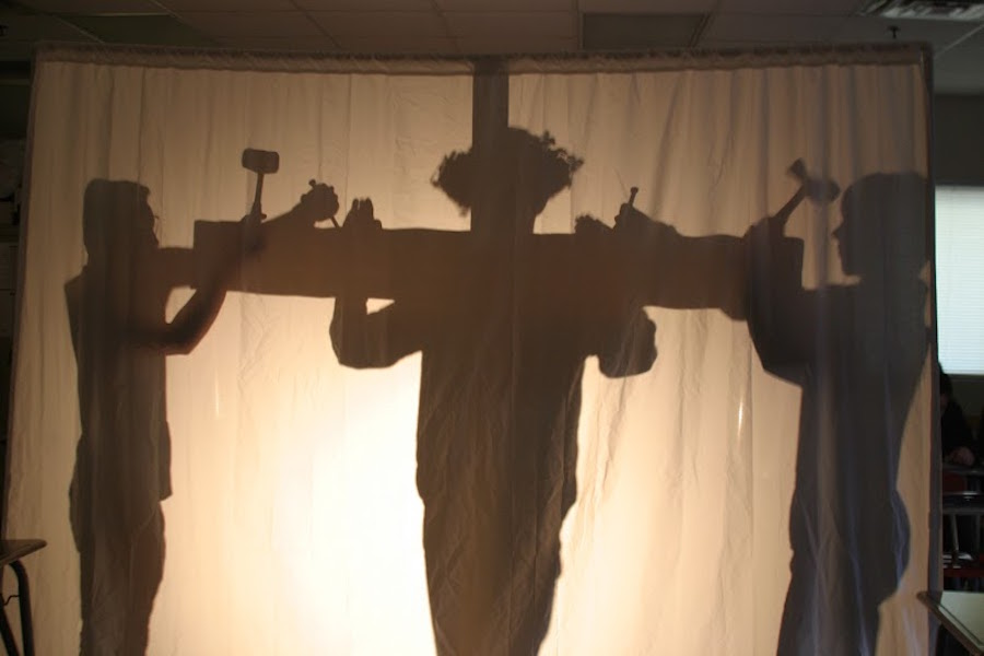 In observance of Holy Week, the AP Spanish Literature class performed the Stations of the Cross. The students brought a different perspective to the traditional story by performing it in Spanish with silhouettes.