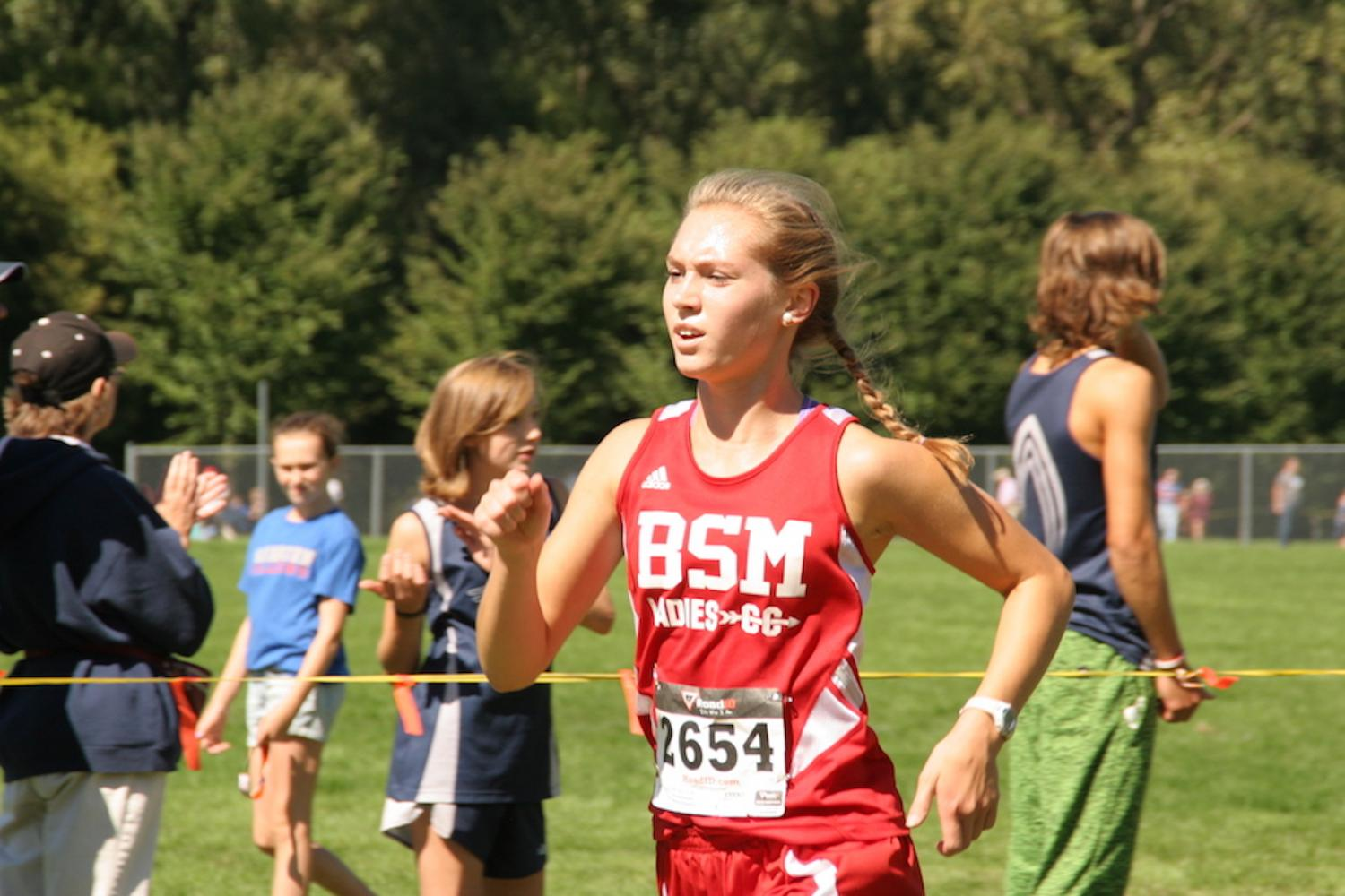 Senior Sammi Tarnowski and the other girl's cross country runners have high expectations.