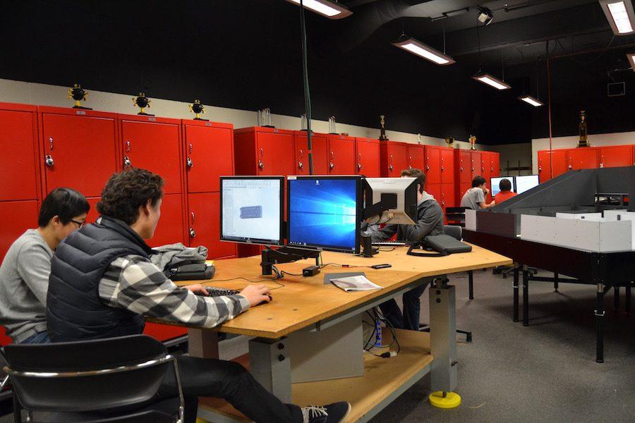 Engineering 3 refocused on team-built robot