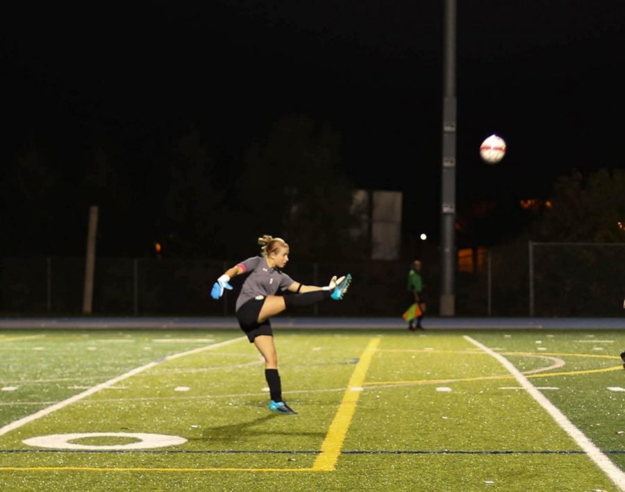 Senior+captain+and+goalkeeper+Claire+Grazzini+had+an+excellent+season.