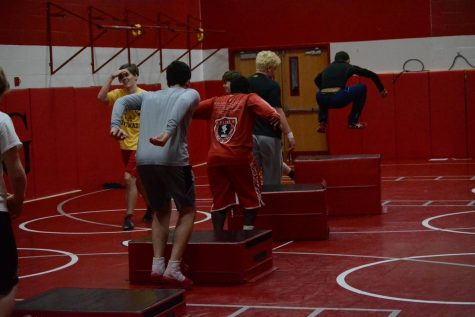 Wrestling hopes to improve after a previously tough season