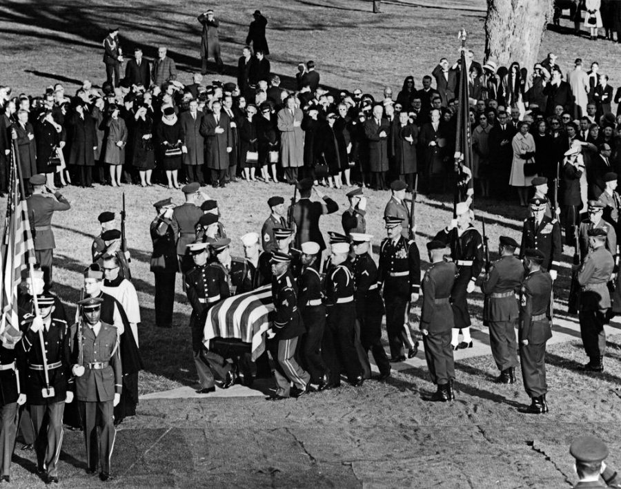 Honor Guard carries JFK to his grave at Arlington National Cemetery