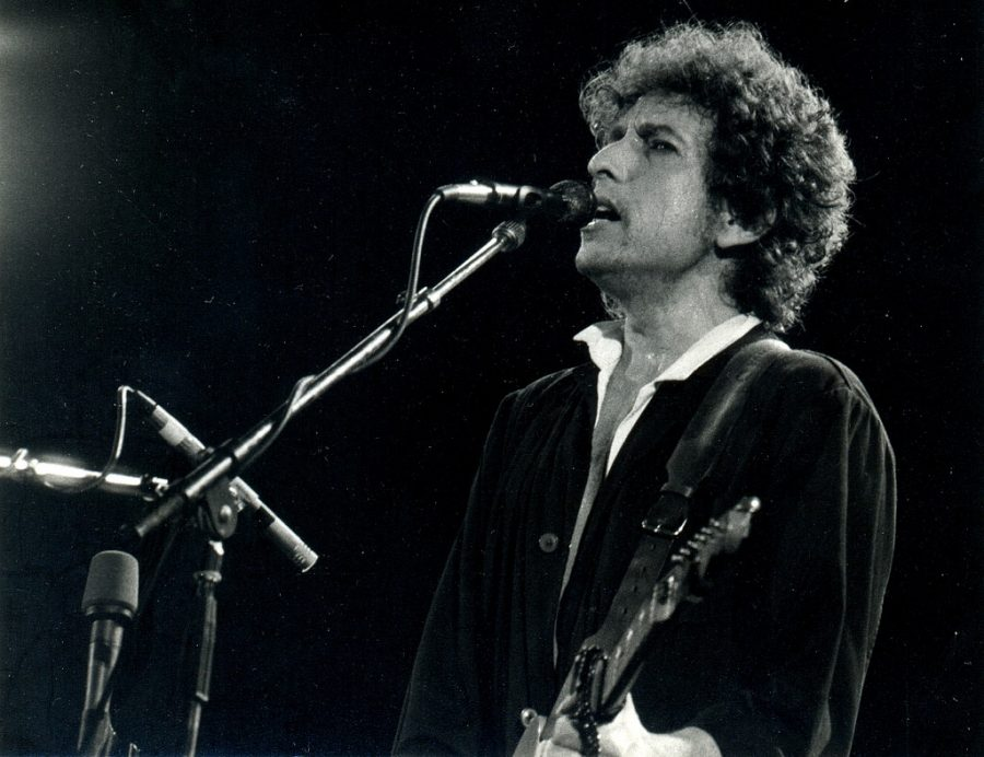 Bob Dylan is an acclaimed singer songwriter who has made a tremendous impact on the musical world.