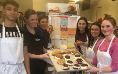 Chef Wheezy bakes whoopie pies with students