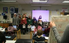 French classes continue Christmas caroling tradition