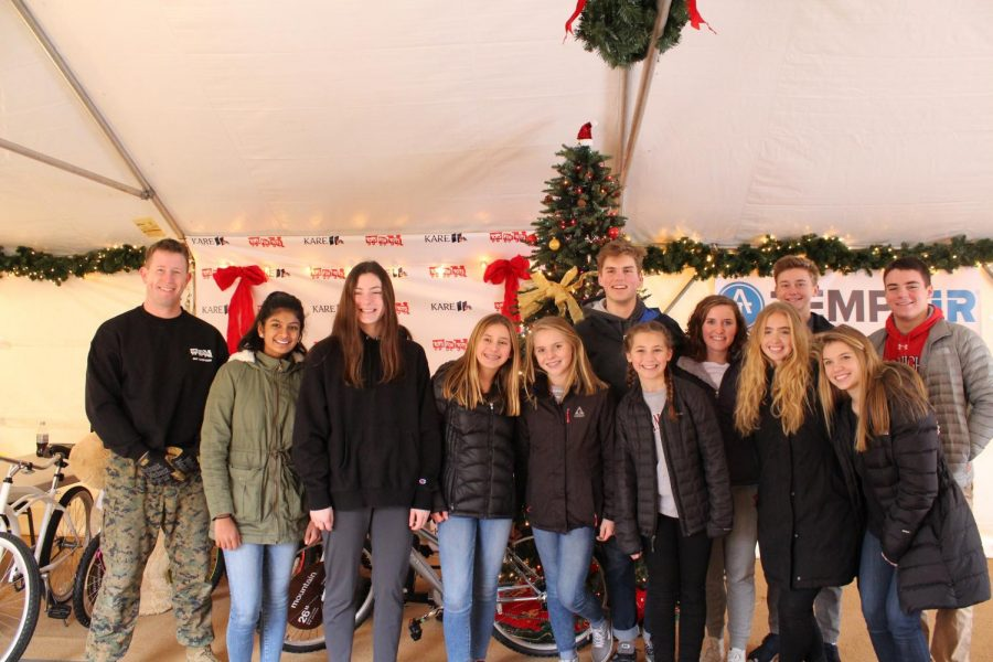A group of students volunteered to help donate the toys.