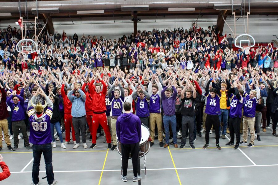 Red Knights participate in all-school SKOL Chant