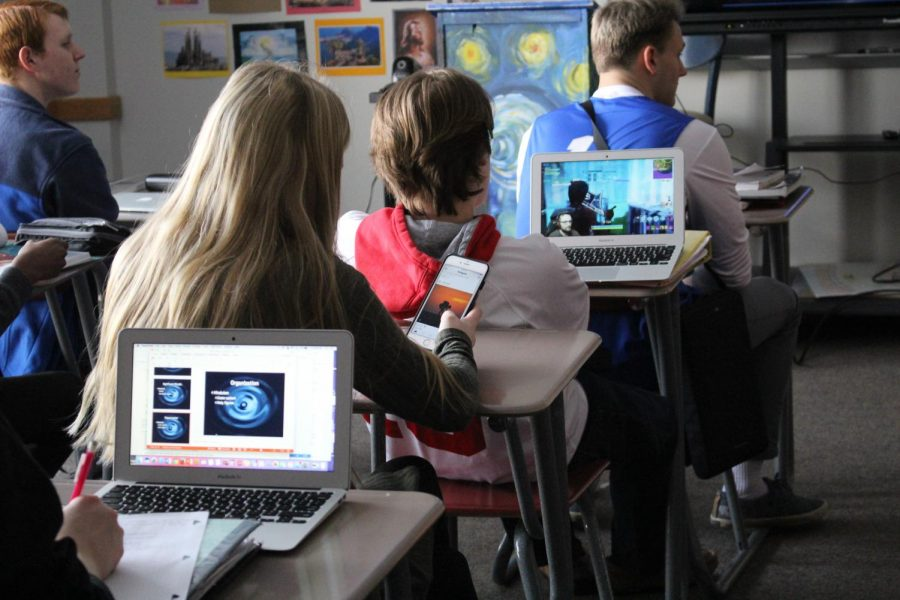 With distractions more prevalent than ever, many students tend to lose focus in class. Some scroll through social media on their phones, other watch videos, while some even play computer games; nevertheless, distractions take students away from their work and learning.