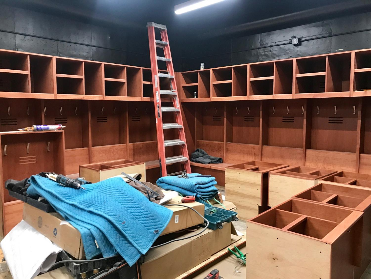 BSM boys' hockey raises money for a brand new locker room.