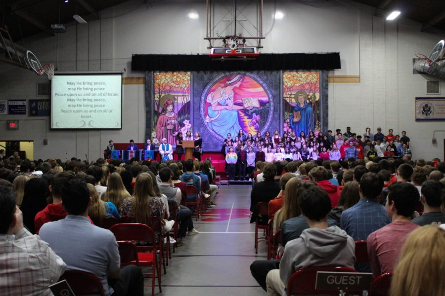 Students+gathered+in+the+Great+Hall+to+celebrate+Thanksgiving+with+an+interfaith+prayer+service.
