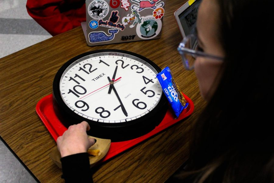 Students can often feel rushed when lunch periods aren't long enough to allow them enough time to enjoy eating and socialize.
