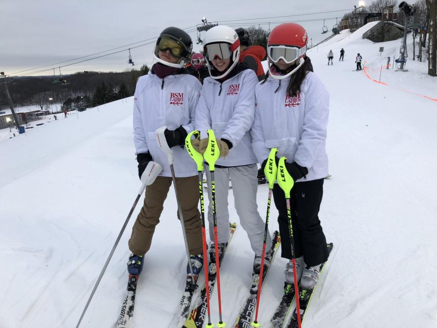 Alpine+ski+team+preparing+for+upcoming+races.+