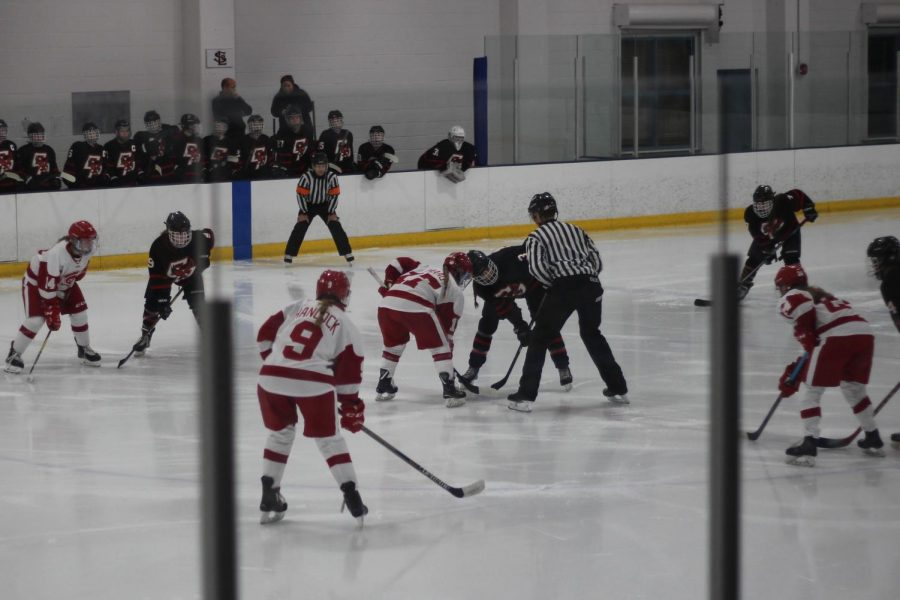 BSM+girls%27+hockey+gets+ready+to+face+off+at+their+game+against+Eden+Prairie.