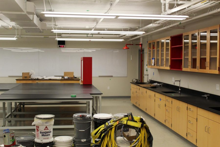 A science classroom built with room for lectures and lab