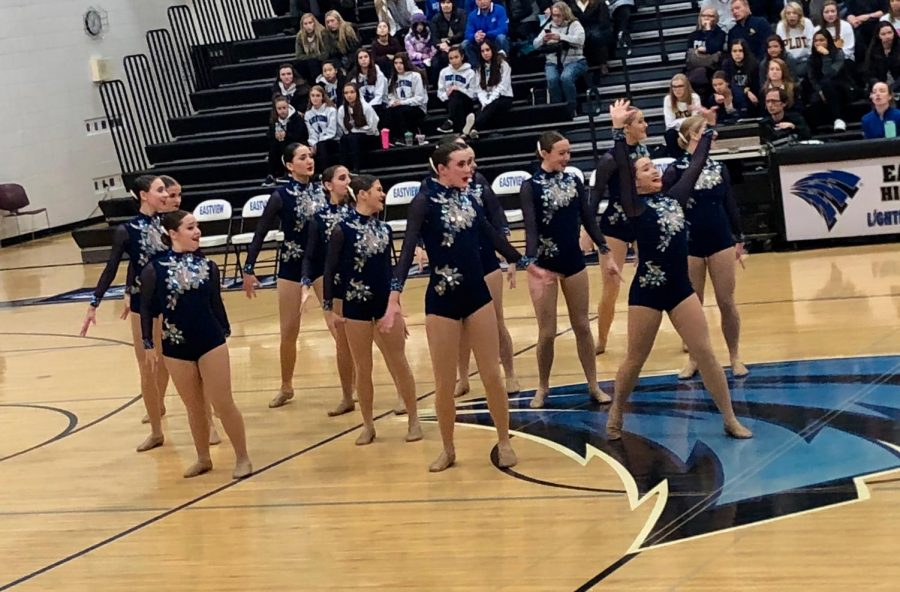 BSMDT+prepares+for+postseason+at+the+Eastview+Invite%2C+one+week+before+Sections
