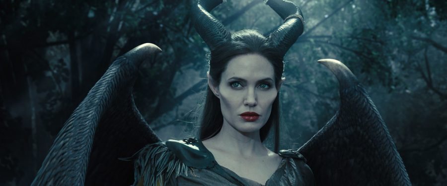 Angelina+Jolie+plays+Maleficent+in+%22Maleficent%3A+Mistress+of+Evil%22+which+does+not+live+up+to+the+hype.